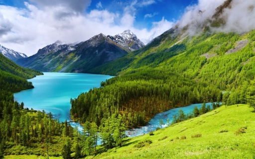 Be amazed by the Altai mountains