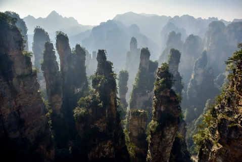 Go to China's Zhangjiajie National Park with the highest, the fastest, largest-loaded outdoor elevator in the world